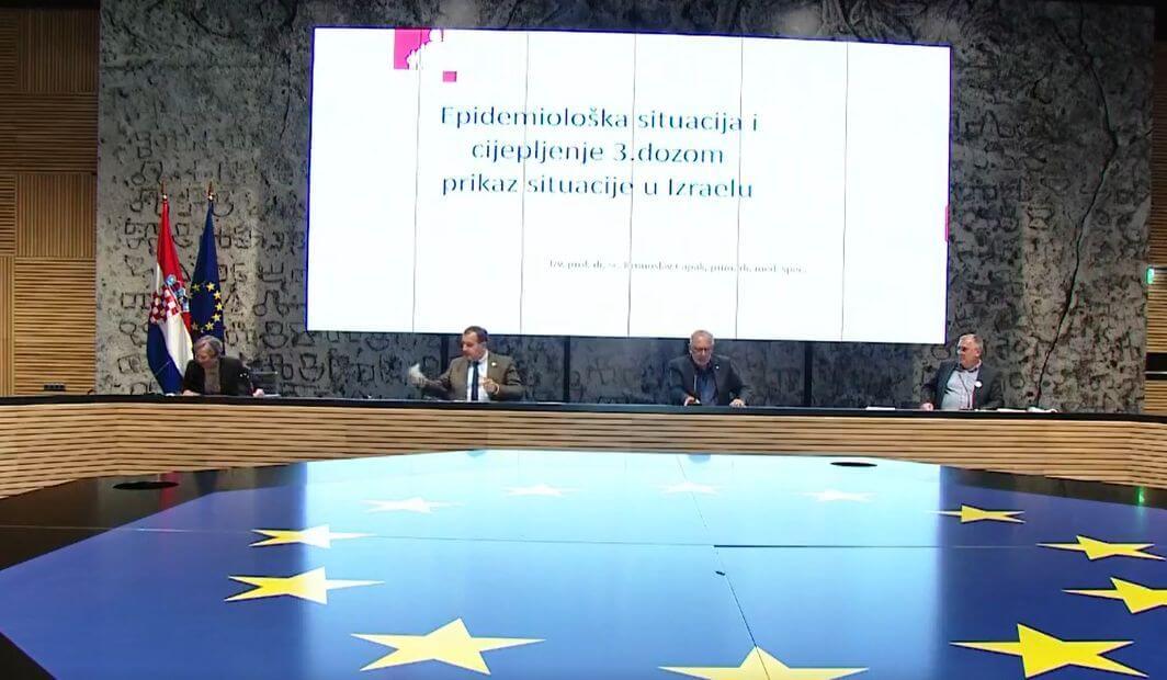 Hrvatska će cijepiti s trećom dozom, Beroš uputio poruku protivnicima cijepljenja