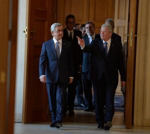 President Serzh Sargsyan, left, with German President Joachim Gauck