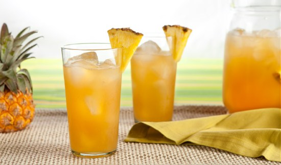 pineapple-punch-with-rum
