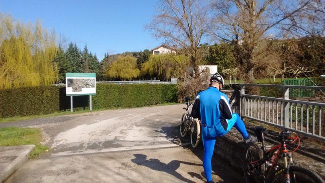 Puente de Arazuri en el Parque fluvial de la Comarca de Pamplona
