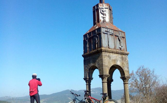 Cruz de Pamplona Azpa Egüés