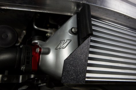 To keep any of the fresh airflow from escaping the grasp of the intercooler, Dan incorporated diverter shrouds, giving the flow no choice but to pass through the fins.