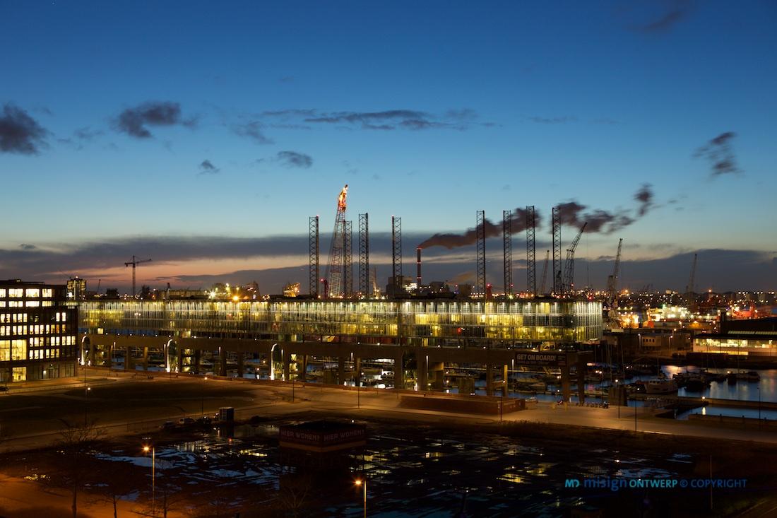 Zonsondergang in de havens van Amsterdam Noord - misign ontwerp