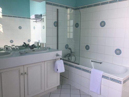 Château de Noirieux salle de bains