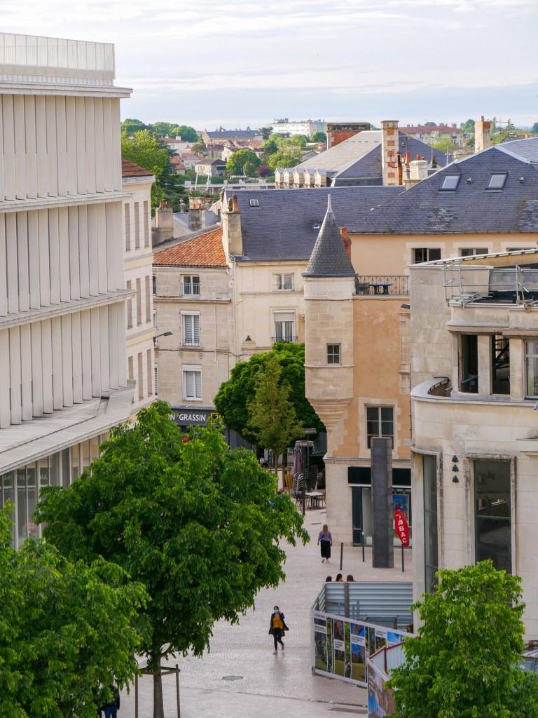 Vue terrasse hôtel central Poitiers