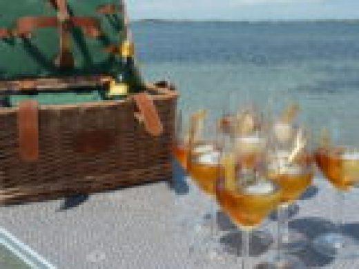 Noilly Prat Marseillan étang de thau martini bacardi vermouth