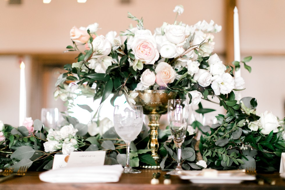 blush farmhouse table flowers