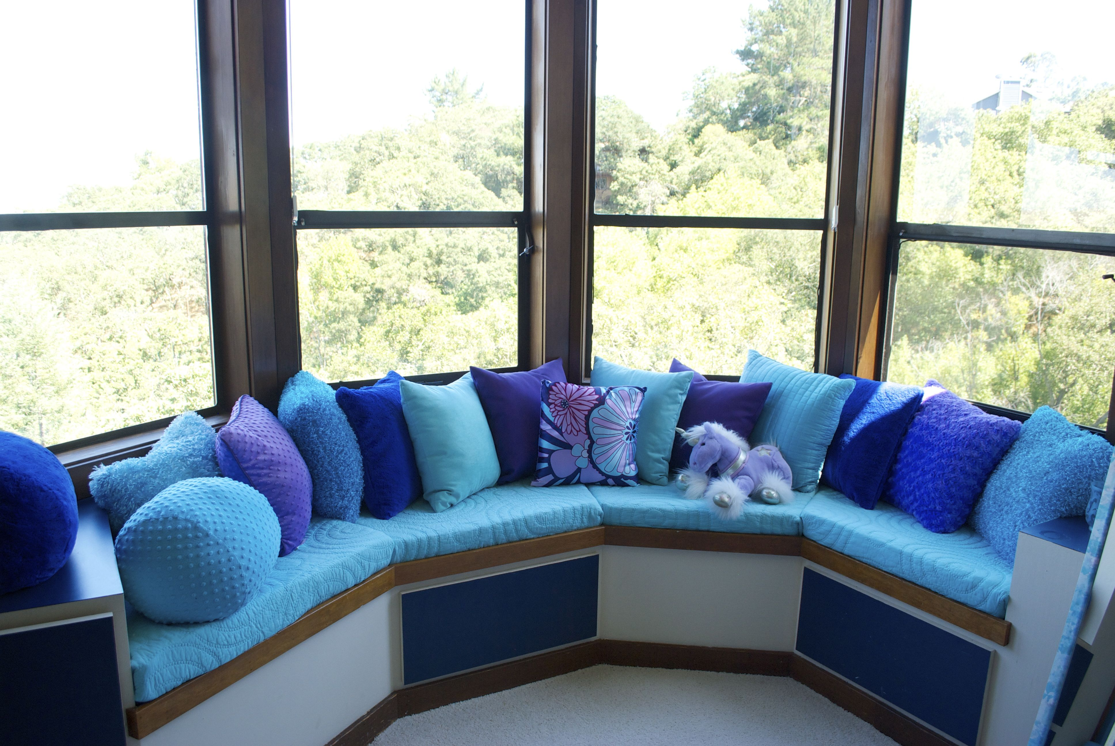 bay window sofa seating slipcovers for reclining sofas the cheapest and easiest way to cover your seat
