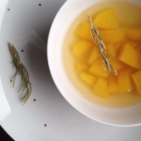 soupe de pêche au romarin (2)