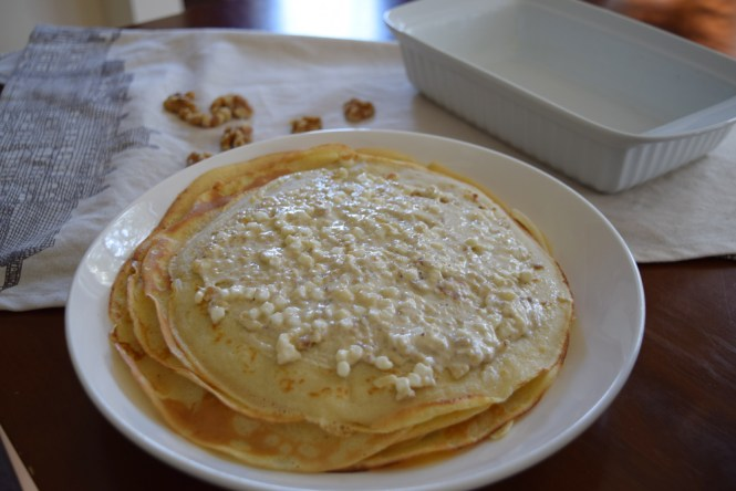spread pancake filling walnut & cottage cheese batter