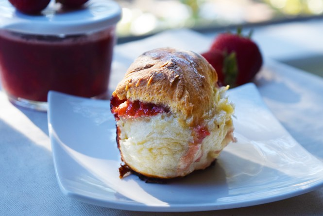 Baked Strawberry Jam Bread Buns