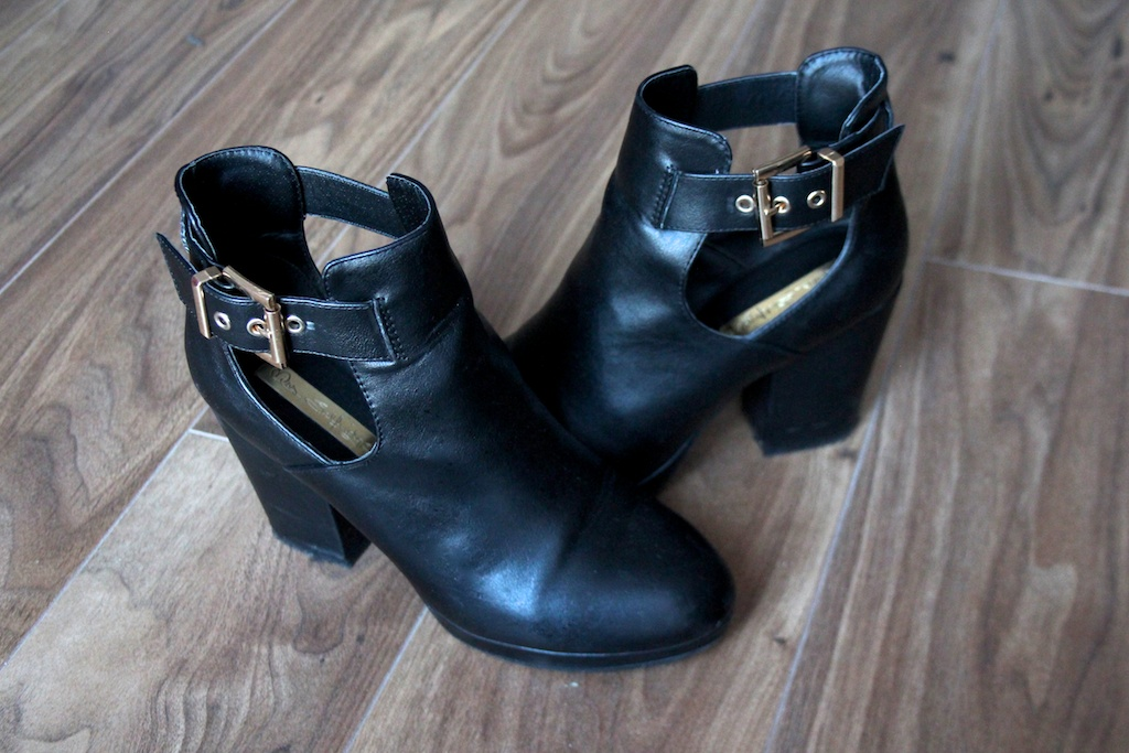 Miss Selfridge Amour Cut Out Boot
