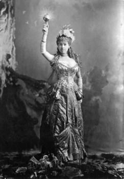 Mrs. Vanderbilt, costume per ballo in maschera ElectricLight