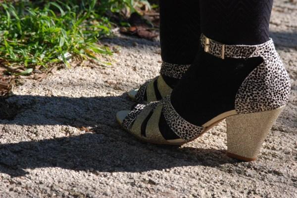 On change de place et l'ombre n'est plus sur la 2ème chaussures.