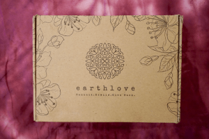 A Look Inside The Sustainable Earthlove Box