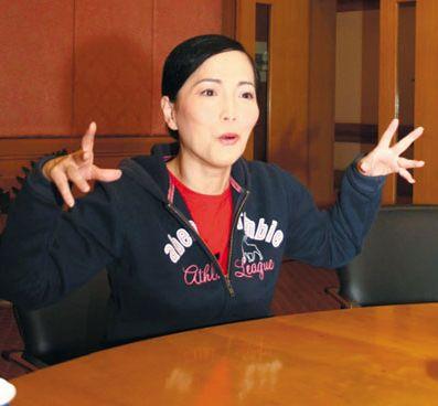 重溫TVB八大鹹豬手事件!麥明詩被強吻、陳嘉桓遭輪吻、尹天照伸手入衫!   香港小姐新聞