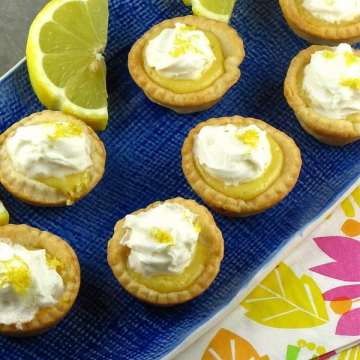 Mini Lemon Pies | MIssinthekitchen.com