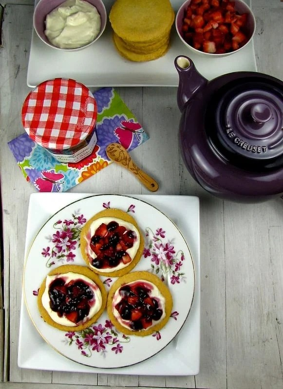 Easy Fruit Tarts for Mother's Day - MIss in the Kitchen