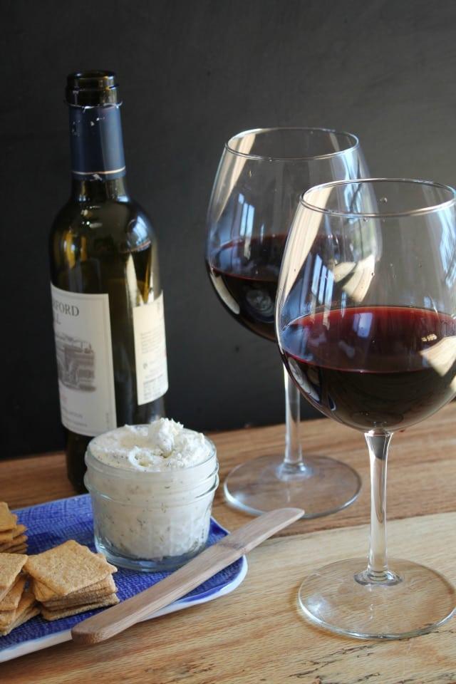 wine and cheese vino vinti