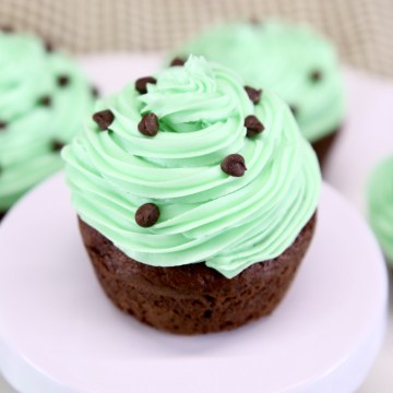MInt Chocolate Cupcakes with mini chocolate chips