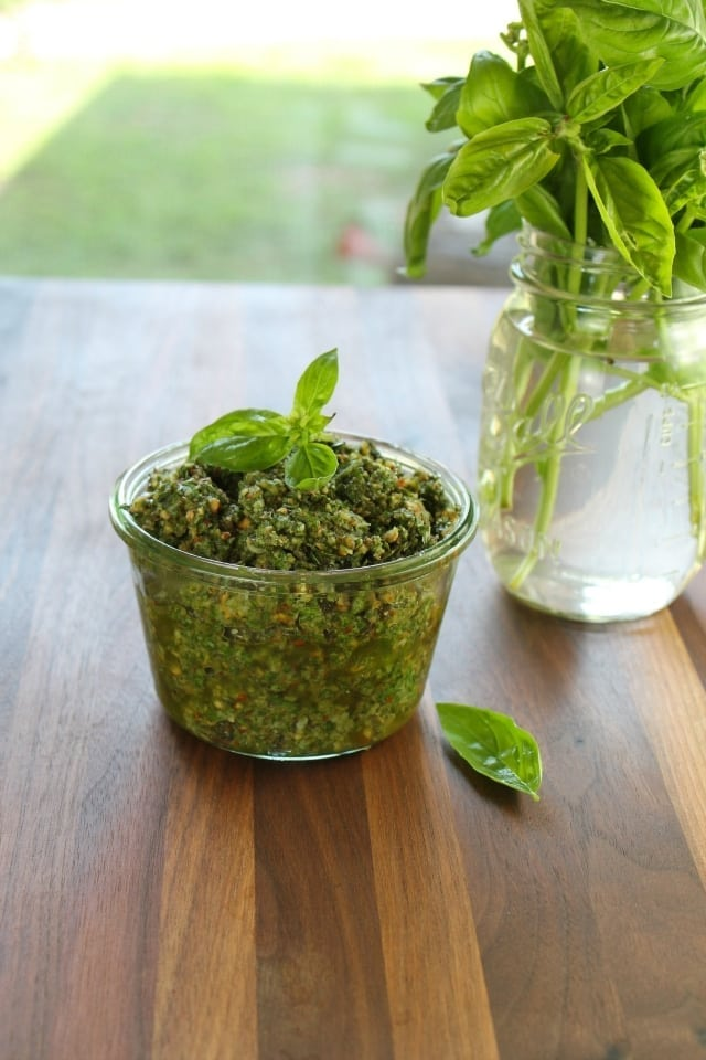 Roasted Garlic Basil Pesto from missinthekitchen.com