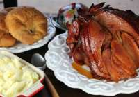 Peach and Ginger Glazed Honey Ham
