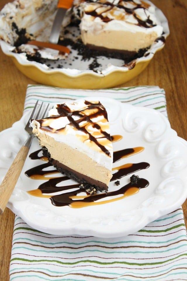 Recipe for No Bake Fudge Bottom Caramel Pie ~ Miss in the Kitchen #WayfairPieBakeOff