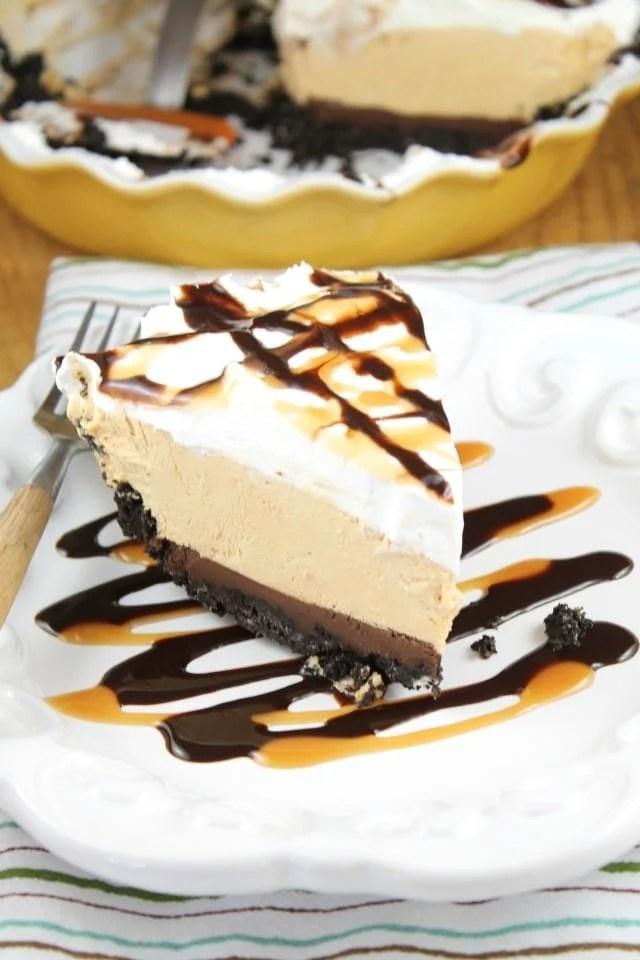 No Bake Fudge Bottom Caramel Pie Recipe from Miss in the Kitchen #WayfairPieBakeOff