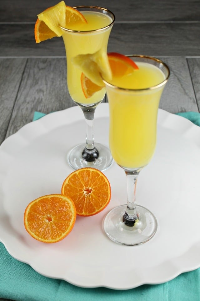 Pineapple Mimosa Cocktail Recipe ~ MissintheKitchen.com