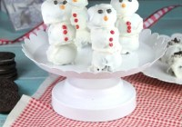 OREO Cookie Balls Snowmen ~ MissintheKitchen.com