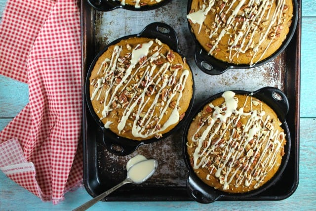 Pumpkin Spice Coffee Cake with Maple Drizzle Recipe from MissintheKitchen.com A favorite fall dessert to try soon!