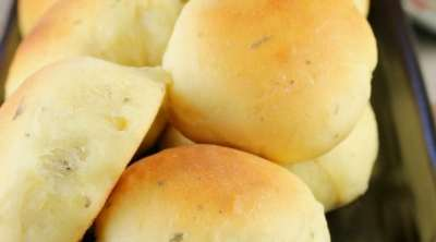 Buttermilk Ranch Dinner Rolls Recipe ~ light and delicious homemade rolls from MissintheKitchen.com