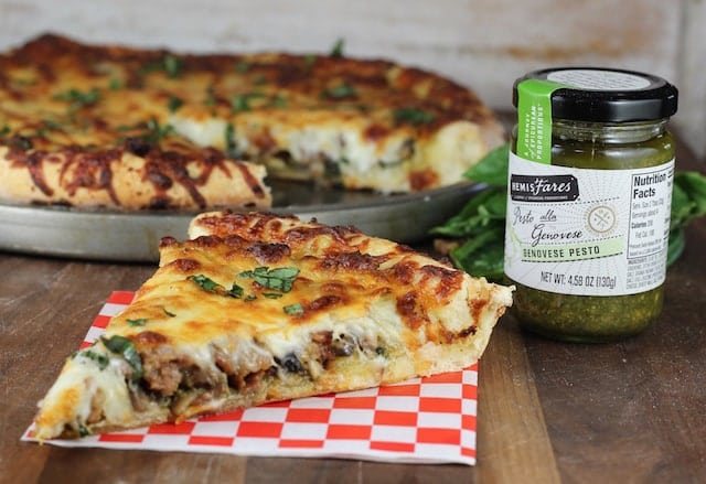 Sausage Mushroom Pesto Pizza with HemisFares Pesto Recipe ~ MissintheKitchen.com #sponsored by @Kroger