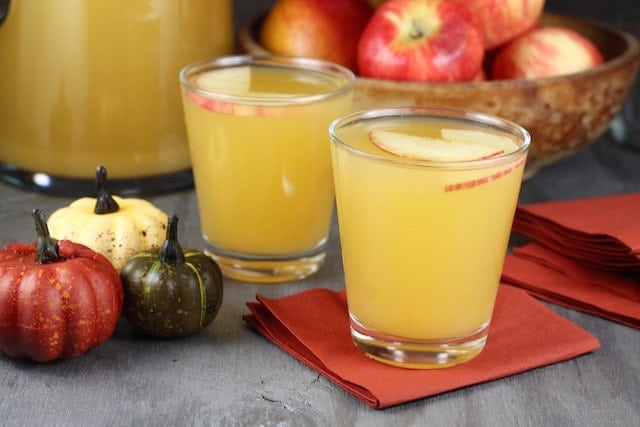 Recipe for Easy Fall Party Punch ~ MissintheKitchen.com
