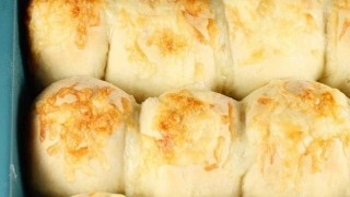White Cheddar Potato Rolls