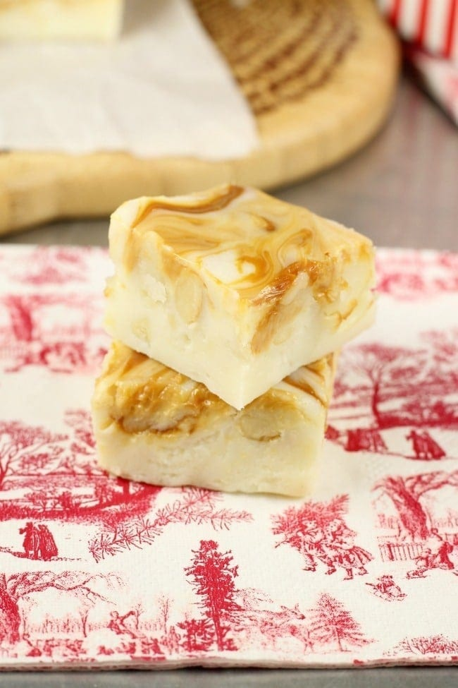 White Chocolate Caramel Macadamia Nut Fudge Recipe perfect for the holidays! From MissintheKitchen.com #Christmas #fudge #candy