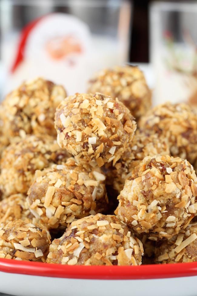 Easy Coconut Date Balls