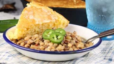 Crock Pot Black Eyed Peas with cornbread