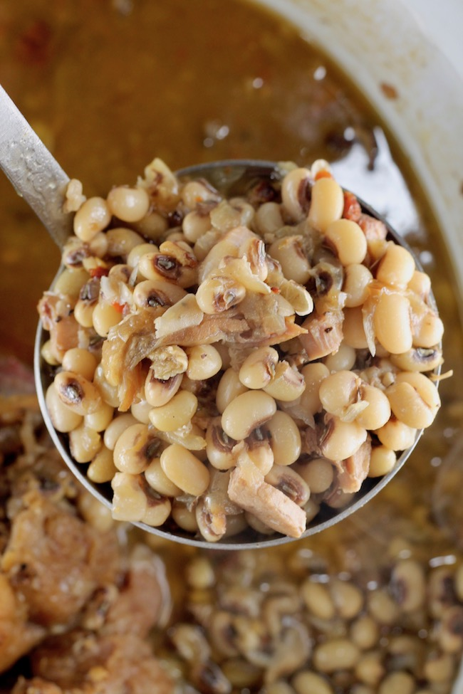The best crock pot black eyed peas recipe