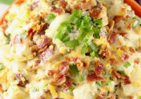 Bacon Ranch Potato Salad ~ red potatoes, crispy bacon, cheddar cheese, green onions