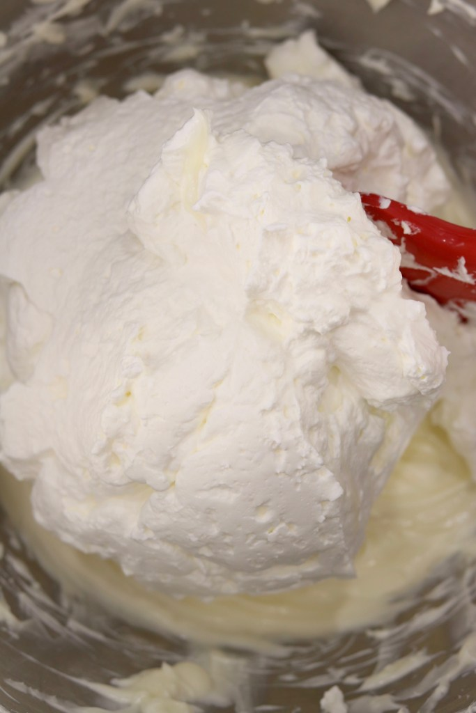 Cream cheese filling for no bake cheesecake with whipped cream