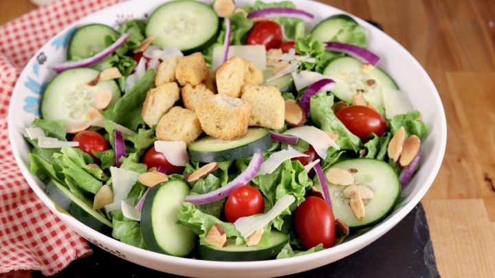 Easy Green Salad Tossed Garden Salad Miss In The Kitchen