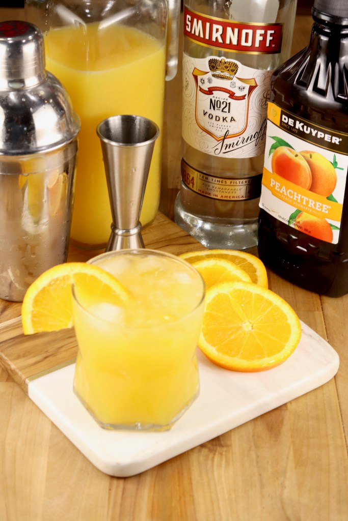 Fuzzy Screwdriver Vodka, Peach Schnapps cocktail