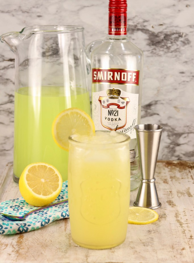 Pineapple Vodka Lemonade Cocktail