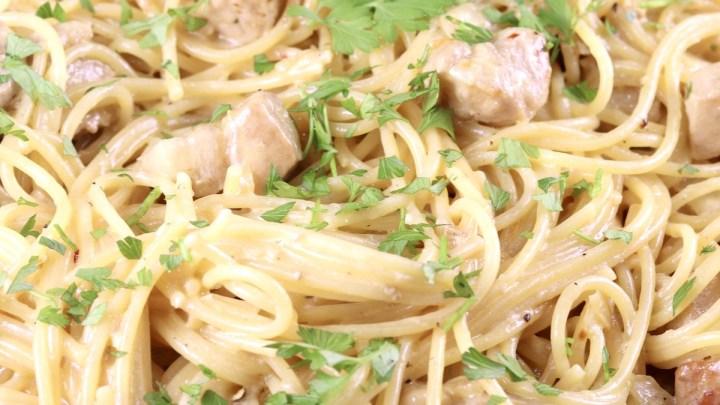 Creamy Lemon Garlic Spaghetti close up