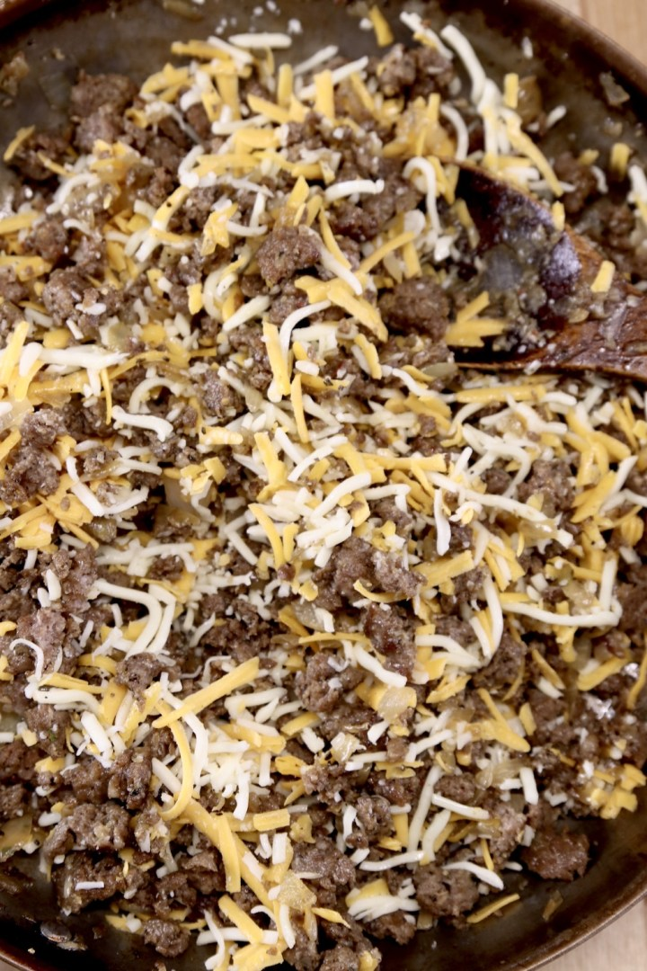 Mixture of sausage and cheese for stuffed peppers