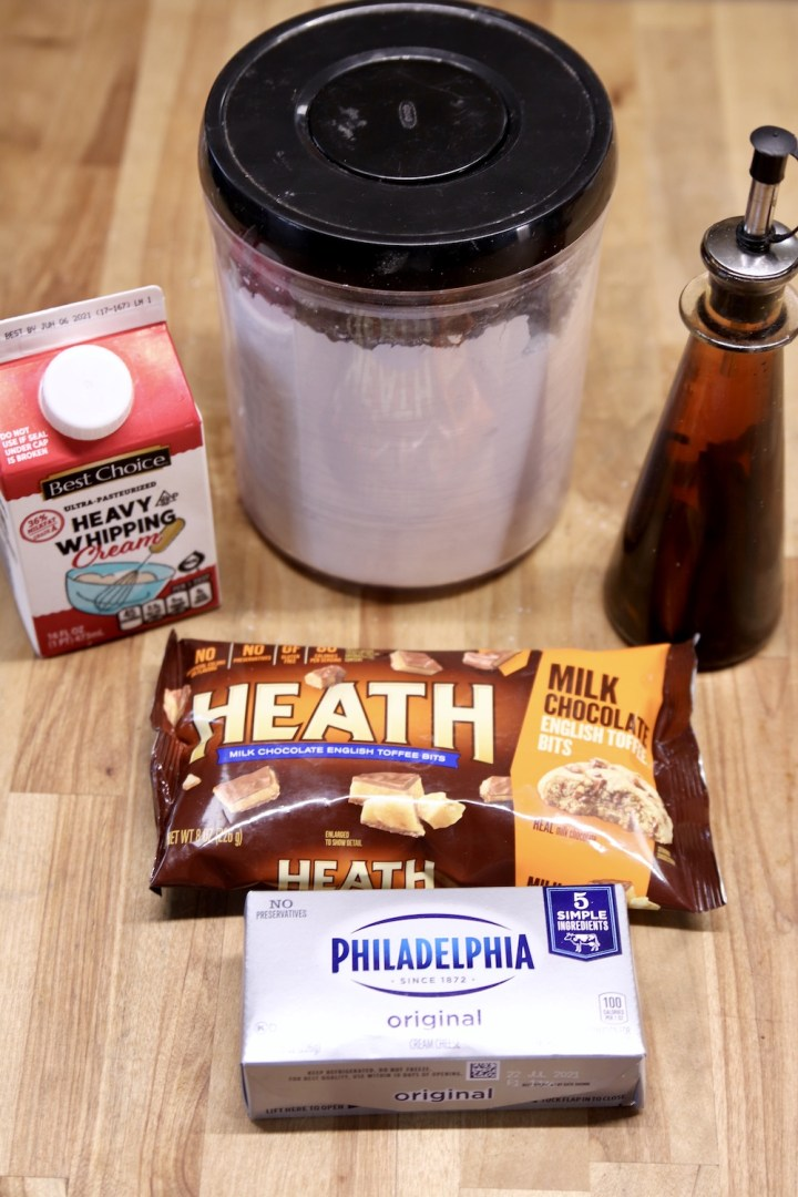 ingredients for No Bake Toffee Cheesecake