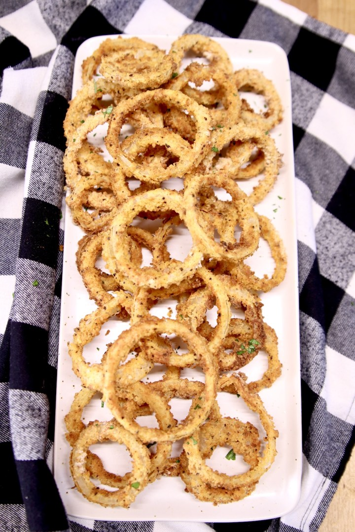 Air Fryer Onion Rings on a platter