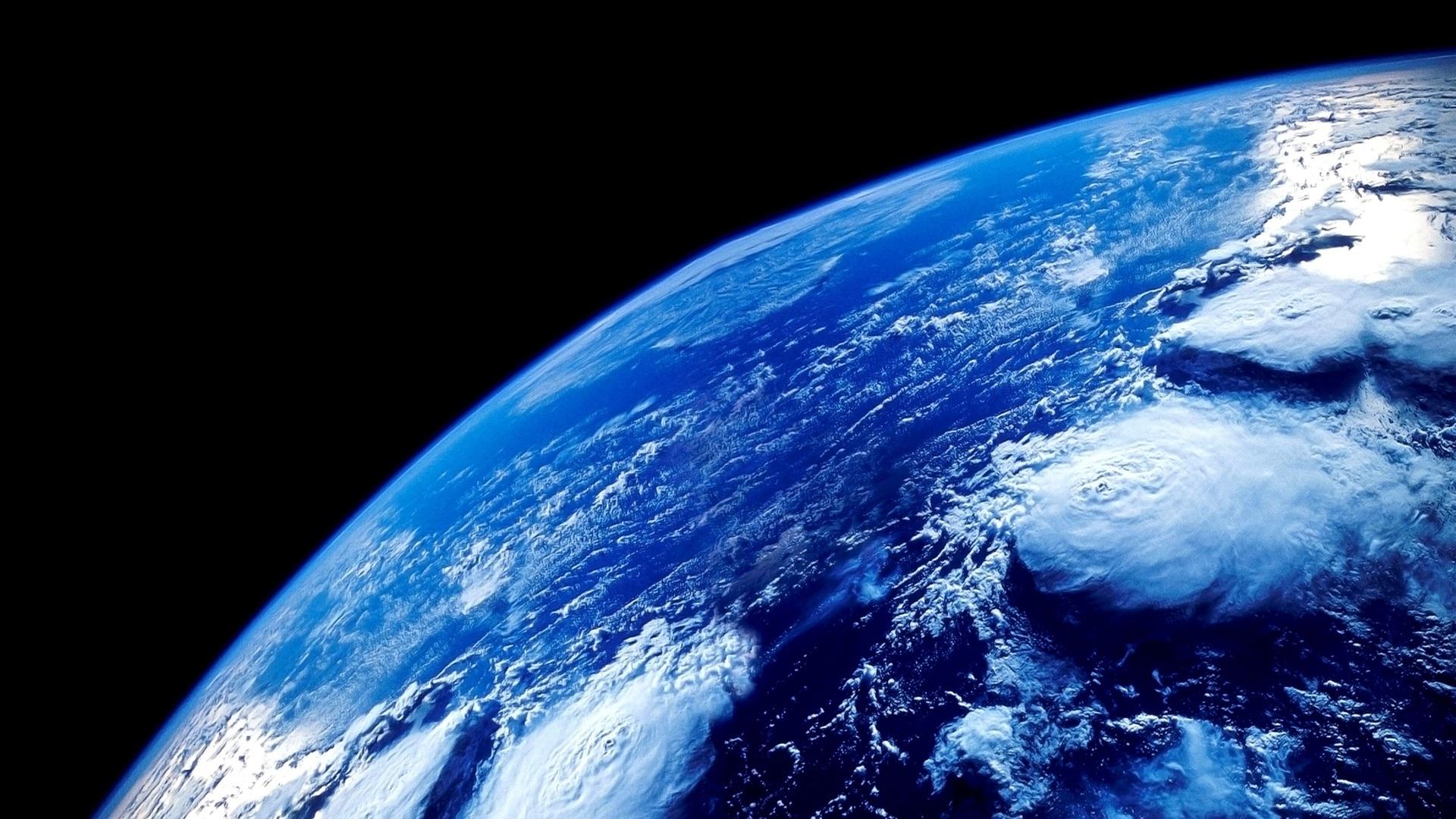 The Blue Planet 4fc C25