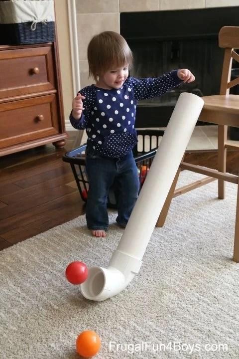 Ballspiele für kleine Kinder